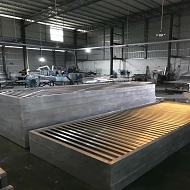 造型铝方通生产中